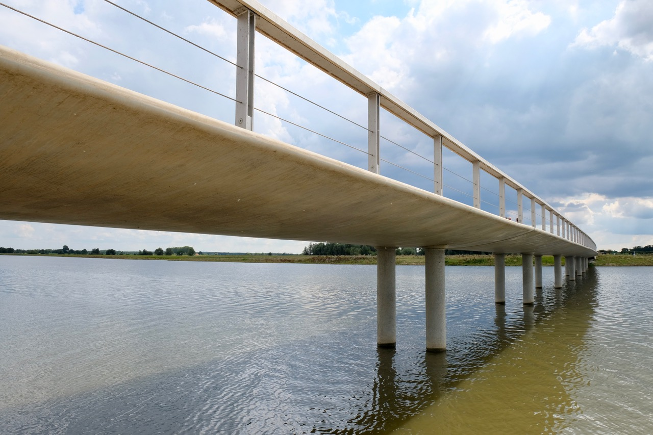 Overstroombare brug Westenholte